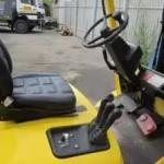 Vysokozdvižný vozík Hyster na prenájom pohľad na riadenie vzv